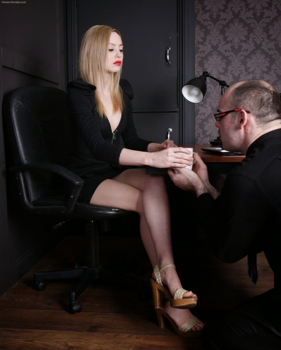 Little latex maid submits to her master 10