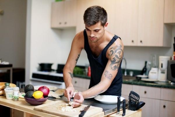 sub-male-cook