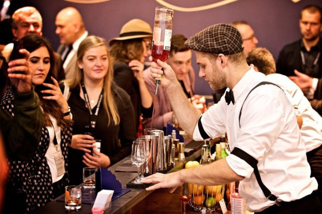 Bar-Convent-bartender-720x480-inline